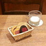 ステラおばさんのクッキー - その3@ハートスイートポテト、モンスターハート、マロンチョコ、オールドファッションシュガー、紅茶