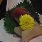 海鮮茶屋 せんざん本店 - 刺身二種