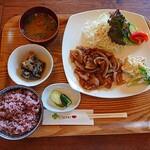 クローバーカフェ - 料理写真:生姜焼き(日替わりランチ)