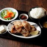 赤坂時シラズ - ランチ唐揚げ定食