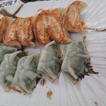 餃子王 - 料理写真:焼き餃子&しそ餃子