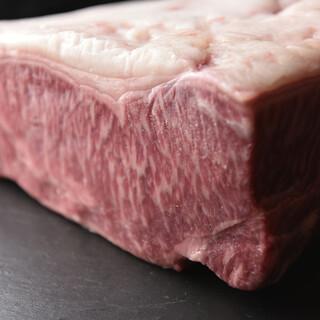 美食家も唸る!滋味あふれる神楽坂店限定赤牛をご堪能ください