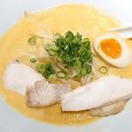 くぼた製麺処 - 料理写真:豆乳と鶏白湯のら~めん♪