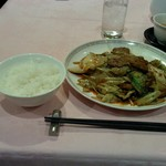 赤坂 四川飯店 - 回鍋肉です。甘すぎず、辛すぎずの絶妙な味付けなので絶対オススメですよ。