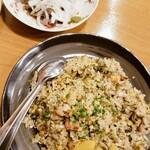 テムジン - 高菜チャーハンと鶏のタタキ