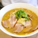 札幌麺屋 美椿 - 味噌チャーシュー大盛り