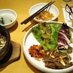 水刺齋 - プルコギ&石焼ビビンバセット 税込1800円くらい