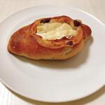 カフェ コチ - クランベリーとクリームチーズ(220円)