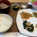 ANAクラウンプラザホテル大阪 - 味噌汁の代わりに肉吸い