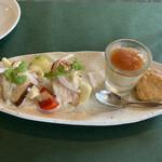 ビストロウー・ルー - 料理写真:りんごとチャーシューの和物、フォアグラとイチジクジャムのムースっぽいもの(Bランチの前菜2品)
