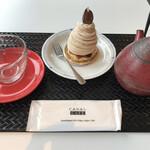 カナルカフェブティック - ケーキセット モンブランとサクラティ