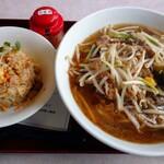 北京 - 料理写真:銀杏ラーメンチャーハンセット(税別980円)