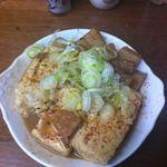 大統領 - 煮込みの豆腐とコンニャクだけ。通称「とうこん」