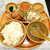 シンガポール海南鶏飯 - シンガポールチキンライス(茹で揚げハーフ&ハーフ¥1000)。ライスの個性的な香りが素晴らしい