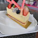 136597058 - フレッシュチーズケーキ 591円