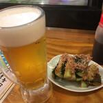 串カツ田中 - ビールに梅きゅうり