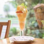 Fruit Chef - 桃(古屋さんのなっつこ)パフェ(3000円)