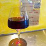 大衆イタリアン MATILDA GINZA - グラスワイン・赤「ジェイムズ ブライアントヒル」。優しい味のポルケッタに合わせ、店員さんが選んでくれた