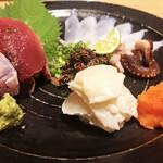 花ノ宮 いいとも - 料理写真:鰹塩たたき、生たこ、湯引きふぐポン酢