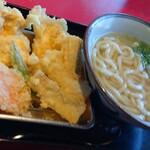木村屋 - 料理写真:とり天うどん、ごぼ天追加