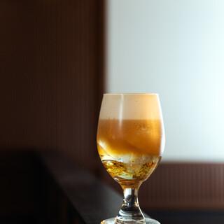 『金色泡茶』(ホアンジンフォームティー)