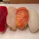 築地寿司清 - 最初の4カン。
