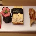 築地寿司清 - 次の4カン。このあとかんぴょう巻もありました。