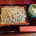 賀寿吉 - もりそば600円、うずらの卵が嬉しい