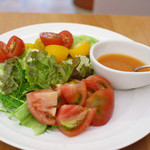 デリシャストマトファームカフェ - 季節の恵みサラダ