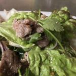タイレストラン イサーン - タイレストラン イサーン(東京都台東区浅草)ローストポークのイサーン風サラダ
