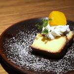 136650639 - ◆デザート・・日本酒を使用したチーズケーキ。ほんのり日本酒を感じ、美味しい。