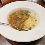 ベルジアン ブラッスリーコート ルーヴェン - 子羊肉のスパイシートマト仕立てクスクス添え