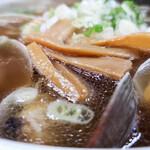 136669864 - あさり魚醤ラーメン(あっさり、細麺)