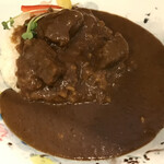 136678038 - 牛肉ゴロゴロ欧風ビーフカレー!!