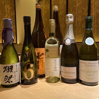 常時5種類以上のおすすめの日本酒銘柄をご用意しております。