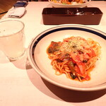 ワイアードキッチン ウィズ フタバフルーツパーラー - 料理写真:パスタ ベーコンとほうれん草