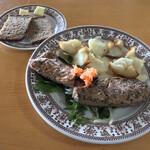 シーキャッスル - シーキャッスル(神奈川県鎌倉市長谷)鯖の燻製 1,000円・パン 200円