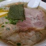 伊達屋 - 塩雲呑麺 ¥1,080 倉島バター ¥110