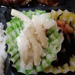 ディッシ稲毛屋 - マカロニサラダとひじき