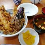 雷門 三定 - 天丼 並 1570円 味噌汁サービス