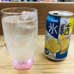 136713587 - 氷結レモン 缶チューハイ