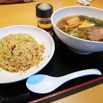 日本中華食堂 - ちゃーらー
