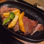 肉屋の肉料理 みずむら - やわらかステーキ180g 2,530
