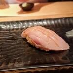 鮨 とかみ - たいら貝