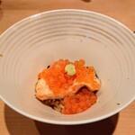 鮨 とかみ - イクラとマスノスケの親子丼