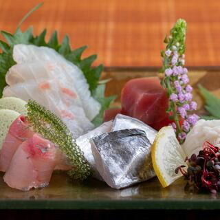 海鮮物と美味しいお肉こだわりの豊富なメニューが自慢のお店です