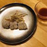寿司・懐石處 やなぎ - 兵庫県淡路産ハモの炙り 茗荷 梅醤油