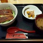 お魚どうらく - 鰻トロ丼(2020.8)