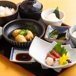 鮮魚のお刺身と自然薯の変わり揚げ御膳