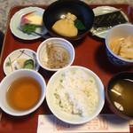 恵光院 - 料理写真:朝食2日目 何気ないキャベツの煮浸しが旨!